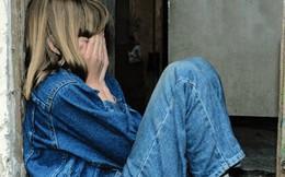 Muốn tự tử vì phải sống như người dưng bên bố mẹ