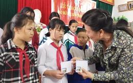 Hội LHPN Việt Nam trao học bổng phi chính phủ Mỹ cho nữ sinh nghèo vượt khó