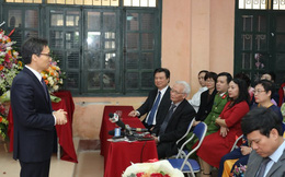 Phó Thủ tướng Vũ Đức Đam chúc mừng 20/11 tại ngôi trường có 'đầu vào không chọn lọc'
