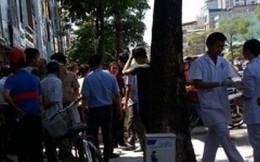 Hà Nội: Cụ bà đột tử giữa phố nghi do say nắng