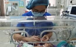 Liên tục tiểu ra máu, thai phụ ở tuần thứ 32 bị dị dạng động tĩnh mạch hiếm gặp