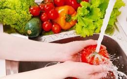 Ngâm rau trong nước muối càng độc hại hơn