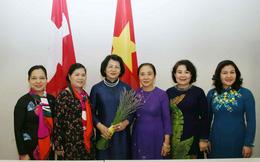 Phó Chủ tịch nước gặp gỡ giảng viên và sinh viên Việt Nam tại Thụy Sĩ