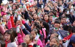 Những 'ly sữa học đường' đầu tiên đến tay trẻ em Thủ đô