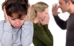 Trẻ tổn thương vì bố mẹ 'cưa đôi' việc nuôi con