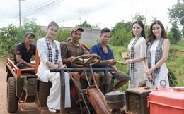 Á hậu Trương Thị May ngồi công nông đi tặng sách cho người trẻ Buôn Ma Thuột