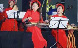 """""""Phố Concert"""" bên hồ Gươm: Âm nhạc phục vụ cộng đồng"""