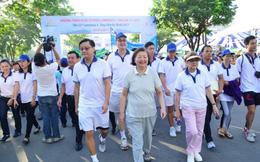 15.000 người tham gia 'Đi bộ từ thiện Lawrence S. Ting'