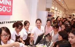 Hà Nội đang có cơn lốc giảm giá tại các trung tâm mua sắm