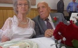 Chú rể 95 tuổi trao lời thề nguyền với cô dâu 81 tuổi khiến bao người ngưỡng mộ