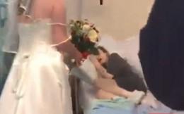 Chị tổ chức đám cưới trong bệnh viện vì em gái