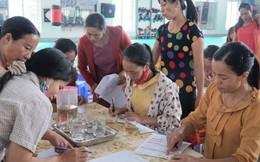 Nữ công nhân gặp khó và e ngại trong chăm sóc sức khỏe sinh sản