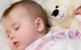 Không muốn con lùn và nóng nảy đừng để bé ngủ muộn