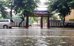 Nghệ An xem xét lùi ngày khai giảng ở một số địa phương bị ngập lụt