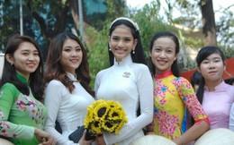 Trương Thị May diện áo dài nữ sinh