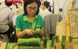Bỏ việc lương cao ở ngân hàng lớn về quê làm ống hút cỏ
