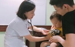 Tuyệt chiêu giúp con trẻ không sợ khi đi khám bệnh