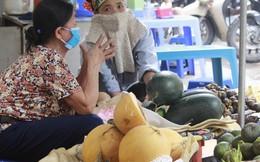 Hậu cháy Công ty Rạng Đông: Người người đeo khẩu trang, nhổ bỏ rau mình trồng