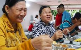 'Bếp yêu thương' san sẻ với bệnh nhân nghèo
