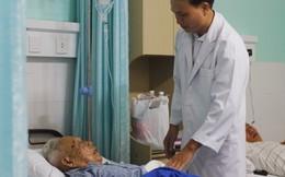 Mổ lấy 8 khối u đại tràng cho cụ ông 96 tuổi