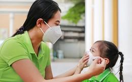 Ô nhiễm không khí nghiêm trọng ở Hà Nội, mẹ lo cuống cuồng, mẹ thờ ơ