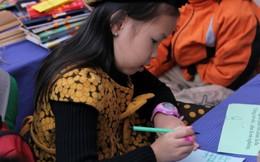 Trẻ em chơi thơ trong Ngày Thơ