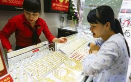 Vàng sụt giá, giảm tới hơn 300.000 đồng ở cả chiều mua vào và bán ra