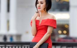 'Hoài Anh Thời sự' biến hóa cùng váy áo