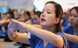 Hà Nội: 500 mẹ bầu tập yoga lập kỷ lục Đông Nam Á