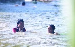 80% trẻ em ở vùng rốn lũ Chương Mỹ không biết bơi