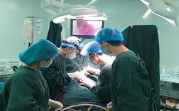 Phẫu thuật tim hở thành công cho bé gái sinh non nặng chỉ 1,6kg