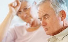 Vợ chồng già cãi nhau vì tiền