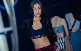 Siêu mẫu Minh Tú khoe vẻ gợi cảm khi tập luyện cho đêm thời trang