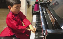 'Thần đồng piano' Evan Le biến tấu 'Diễm xưa'