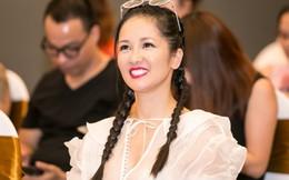 """Hồng Nhung ngẫu hứng hát mộc bài """"Đi học"""" cùng bé Nhật Minh, Ngọc Linh"""
