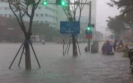 Nhiều tuyến đường ở Đà Nẵng ngập nặng sau mưa lớn
