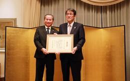 Trao Bằng khen của Bộ trưởng Ngoại giao Nhật Bản cho Trung tâm Chăm sóc Người cao tuổi Bách Niên Thiên Đức