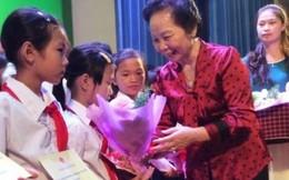 300 học sinh nhận học bổng 'Cùng em đến trường'
