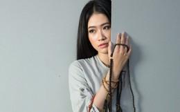 Á khôi Thạch Thảo đẹp bí ẩn trong BST Về Nhà của NTK Hoài Sang
