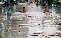 Philippines: Phố biến thành sông sau khi bão Sơn Tinh đổ bộ