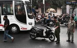 TP.HCM: Đang đi đường bị côn đồ chém lìa tay
