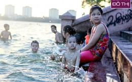 Công viên nước, bến hồ Tây đông đúc trong ngày nắng 41 độ C