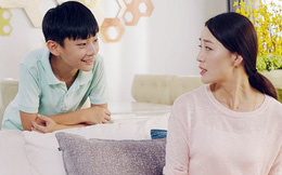 Biến thành đứa trẻ 'lươn lẹo' để được nhận những lời ngợi khen của mẹ