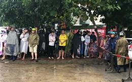 Nghệ An: Gần 100 cảnh sát đội mưa vây bắt người đàn ông nghi có súng, lựu đạn cố thủ