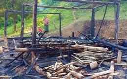 Người mẹ ôm 3 con nhỏ tháo chạy khỏi căn nhà cháy lúc rạng sáng