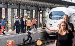 Cậu bé 8 tuổi tử vong thương tâm khi bị người lạ đẩy vào đường ray tàu hỏa