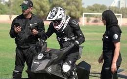 Cảnh sát Dubai gấp rút tập luyện lái mô tô bay đi tuần