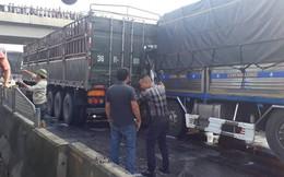 Tai nạn trên quốc lộ 1A, đầu xe tải nát vụn