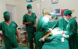 Phẫu thuật hoại tử chỏm xương đùi giúp bé trai thoát nguy cơ tàn tật