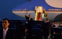 Lễ đón Tổng thống Mỹ Donald Trump ở sân bay Nội Bài